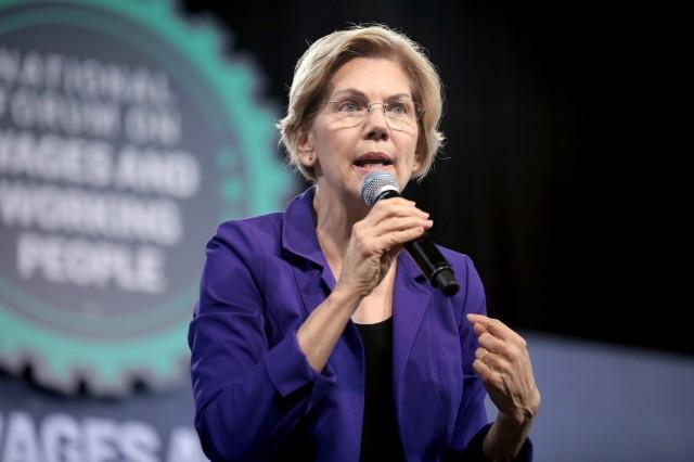 Elizabeth Warren tells Fox News to kiss herass.